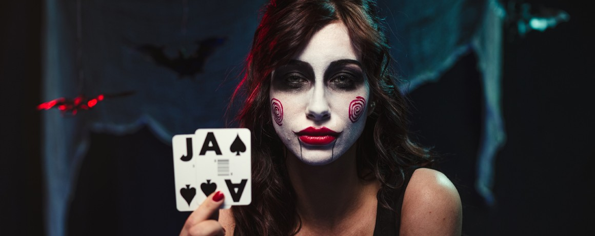 Play Online Casino games with live dealers and get 15% Live Casino Cashback